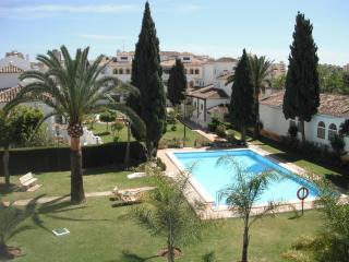 LARGE ONE BEDROOM APARTMENT, PUEBLA LUCIA, Fuengirola