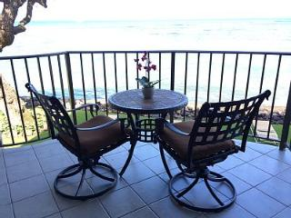 217 - Oceanfront Condo - Incredible View & Sunsets, Lahaina