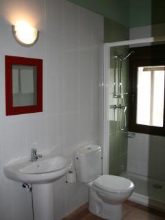 Cuarto de baño en todas las habitaciones