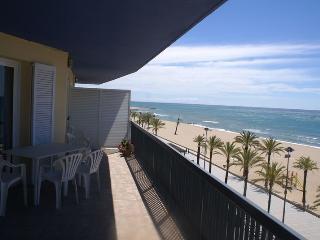 Primera linea de playa, 3 hab, Segur de Calafell