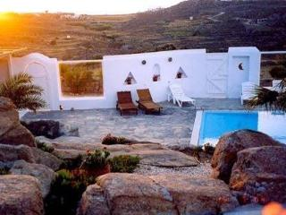 Mykonos Villa at Paraga w spectacular view