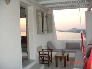 Villa Aggelos, Mikri Vigla