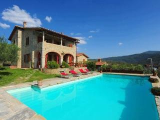 4 bedroom Villa in Castiglion Fiorentino, Tuscany, Italy : ref 5477275