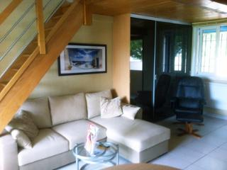Air-cond.appart in marina,privat beach,free secure parking,wifi, sea-view