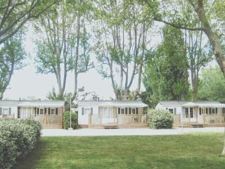 Mobile home avec 3 chambres sur camping en Provence