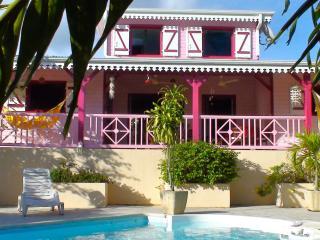coeur goyave maison créole calme et vue sur mer., Le Marin