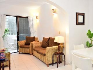 Mamitas Beach,Great Location Remodeled 1 bedroom C, Playa del Carmen