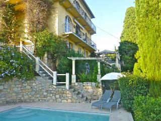 Courteline Villa, maison de vacances avec piscine et terrasse, Mougins