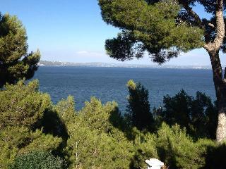 Chambre en Provence, Istres