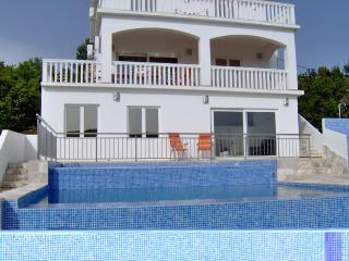 Luxury Modern Villa - with fantastic sea views, Private Pool and WIFI