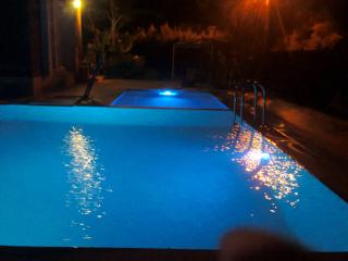 LUXURY HOLIDAY VILLA PRIVATE SWIMMING POOL