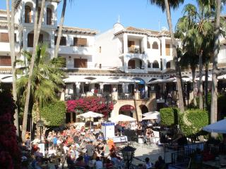 Villamartin 2 bed 2 Bath Luxury Apt in Las Violetas, Beaches and Shopping Close