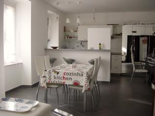 Appartement de 64 m², clim,  avec jardin privatif, Skradin