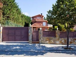 Villa Augusta de Llavaneres   Numero de licencia turistica    HUTB-005845