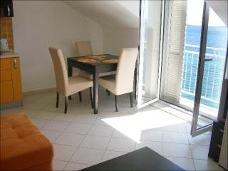 Villa Perna - 1 bedroom apartment, Orebic