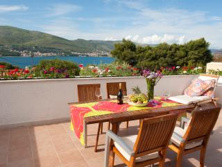 Villa Lucia sea view