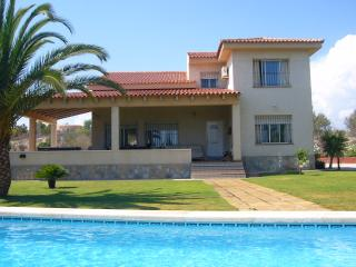Superb 4 bed villa with larger than average pool, Mutxamel