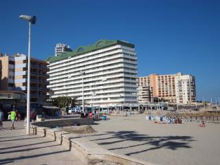 Beach Front Apartment - Calpe - A/C - Wi Fi -UK TV