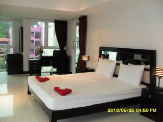 Spacious 3 bedroom condominium, Patong