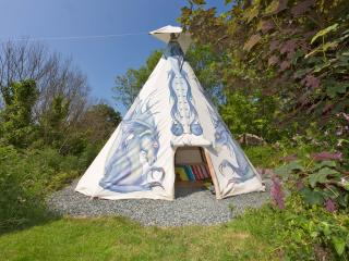 Dragon Tipi - Kitewood, Fishguard