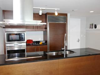Kitchen, fully equipped. German appliances. Ready for those who enjoy cooking.