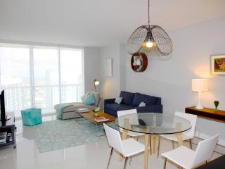 W MIAMI RESIDENCES, ICON BRICKELL. VIEWS, FREE WI-FI, SPA, SAUNA. LOCATION...