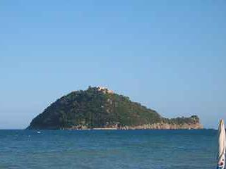 the gallinara island - view from vadino beach