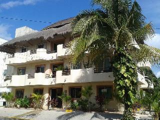 Spacious central located condo 5 min. from beach, Playa del Carmen
