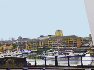Limehouse Marina Views: 3 bedroom apartment-, Londres