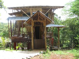 Casa Bambu- Costa Rica Treehouse- near the beach, Playa Grande