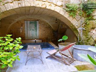 Loft d'artiste dans un village médiéval de po