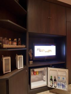 All rooms with Sat TV, DVD player and Minibar