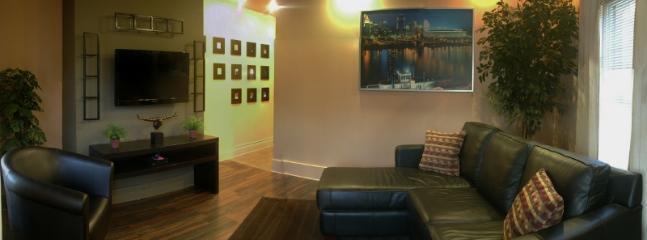 Cincinnati Furnished Apartment Living Room S1