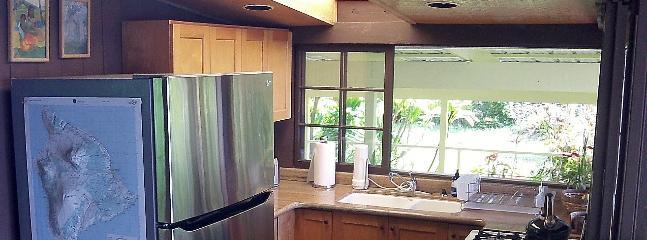 Beautiful open complete kitchen
