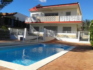 Villa Rosita 5 HAB.+ AIRE ACON. + PISCINA PRIVADA + 2 COCINAS, A 200 MTS PLAYA, L'Ampolla