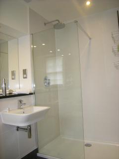 walk-in showers and underfloor heating