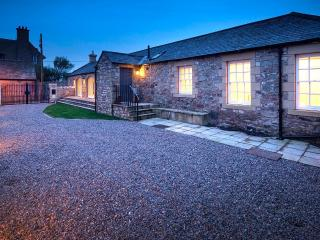 ★ Bamburgh Barn - Luxury + Unrivalled Castle Views