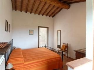SORTOIANO - APPARTAMENTO LA MALVA apartment in historic Tuscan property