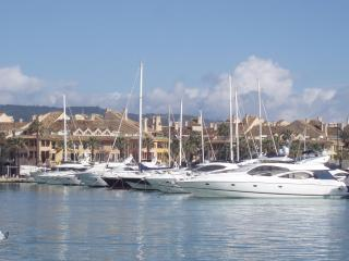 Beautiful Apartment Overlooking the Marina, Sotogrande