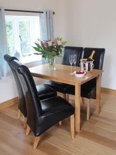 Leather seating for four people at the dining table