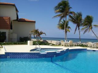 Cayman  Beachfront  at  22 Villas Pappagallo, West Bay