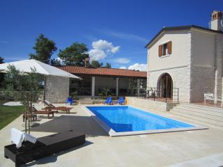 Villa Histra - relax in peace and complete privacy, Cabrunici