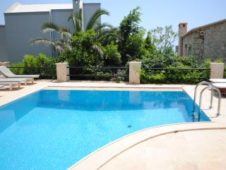 Spacious Apartments with Sea Views and lovely pool