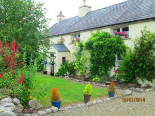 Court cottage. Courtmatrix