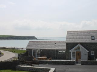 Penrhyn Farm Cottages (Yr Efail) with Sea Views