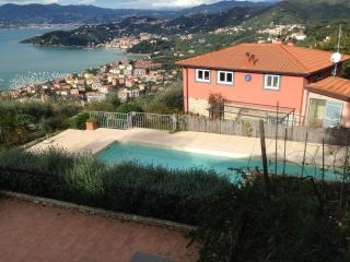 Villa with pool and breathtaking view on 5 Terre, Fiascherino