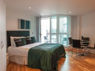 Central London Studio, with Balcony & River View