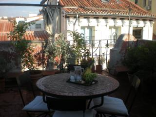 Central Madrid penthouse,terrace,4 pax
