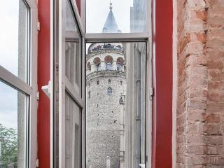 Antique Flat Next to Galata Tower, Istanbul