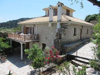 Traditional Villa retreat!Your home away from home, Agios Nikitas